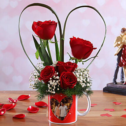 Red Roses In Personalised In-Love Mug