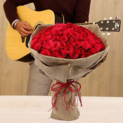 Online Red Roses With Musical Combo