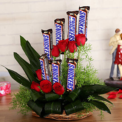 Red Roses Snickers Arrangement:Navratri Flowers