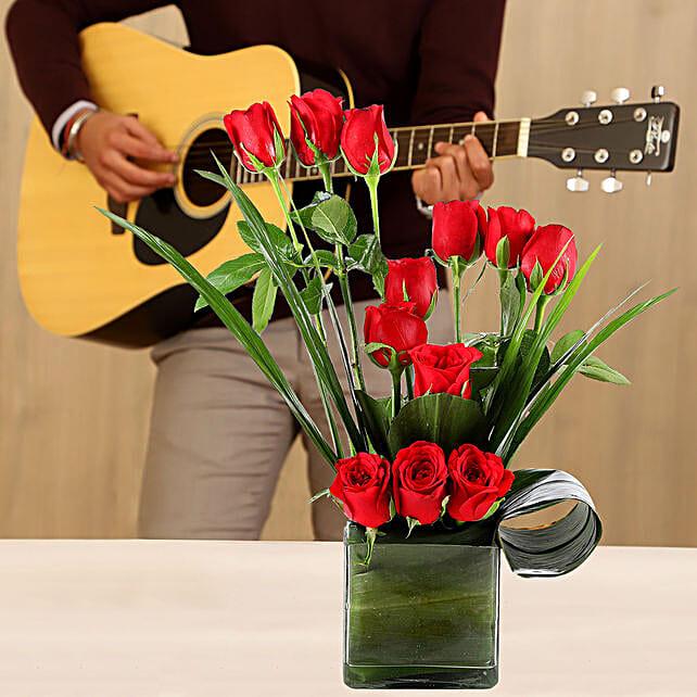 online roses vase with guitarist online