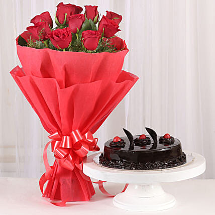 Red Rose - Bouquet of 10 red roses and 500 grams of truffle gifts:Gifts Delivery In Bommanahalli