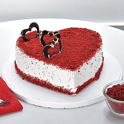 Red Velvet Heart Cake half kg:Birthday Cakes for Dad