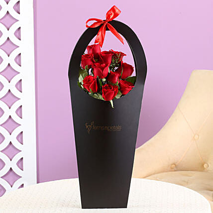 roses in sleeve bag:Roses for Rose Day,Know more about the days leading up to Valentine's day like Rose Day, Chocolate day and Anti-Valentine's day like break up day, slap day and more.