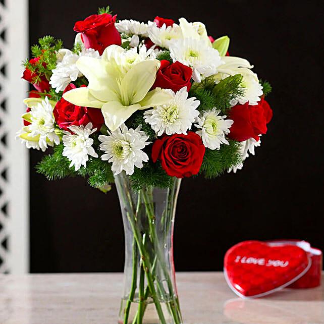2 mix flower vase arrangement online:Premium Flowers For Valentine's Day