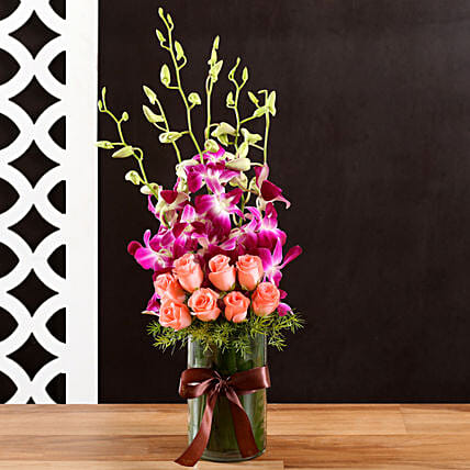 Online Rose and Orchids:Flower Arrangement In Vase