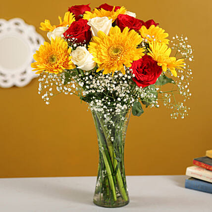 Scintillating Floral Mix:Gerberas Flower