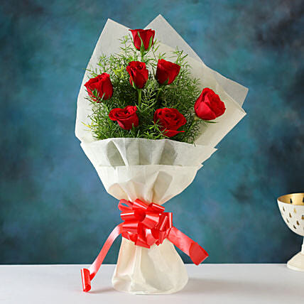 Buy Online Red Roses Bunch:Gifts for Girlfriend