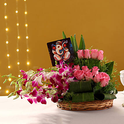 Online Ganesha Table Top And  Bouquet