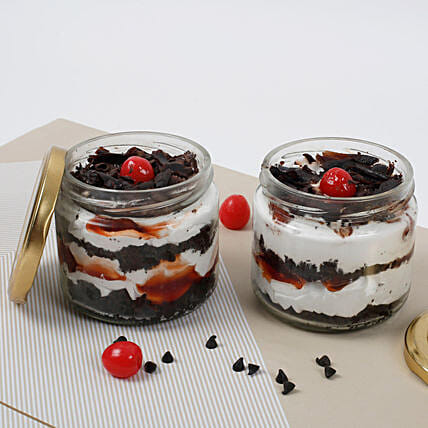 Sizzling Black Forest Jar Cake:Cake Delivery in Kanchipuram