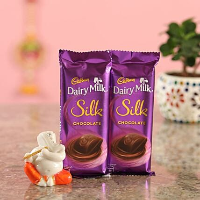 Silk Chocolate Bar With Ganesha Idol:Diyas