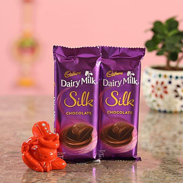 Silk Chocolate Orange Ganesha Idol:Diyas