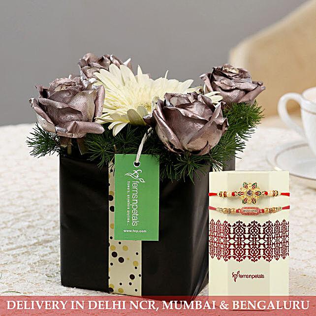 Exclusive Flower Arrangment with Rakhi Online:Rakhi with Flowers