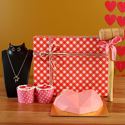 Online Soothing Pink Love Treat Box Combo:Candies