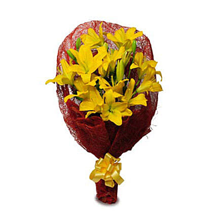 Sunshine Flowers - One Sided Bunch of 6 Yellow asiatic lilies in a Red jute packing.