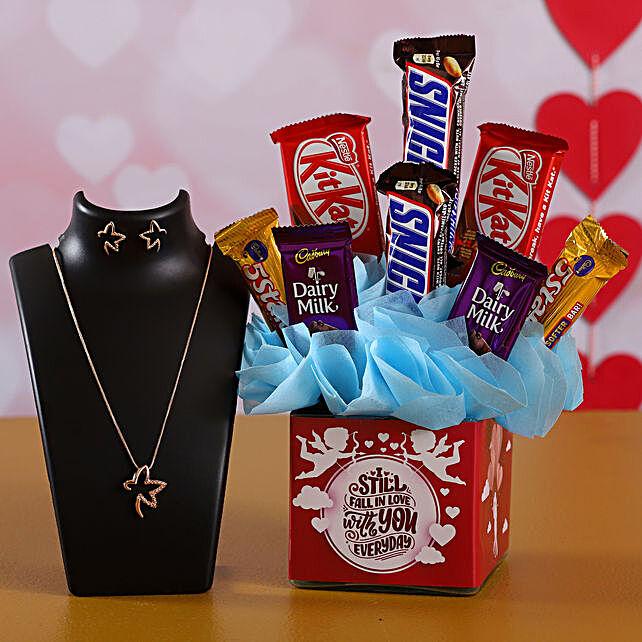 Sweet Chocolates Arrangement Necklace Set