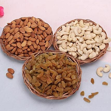 Combo of dry fruits