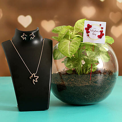 Syngonium Plant In Glass Vase With V-Day Tag & Jewellery Set Hand Delivery:Send Valentines Day Jewellery