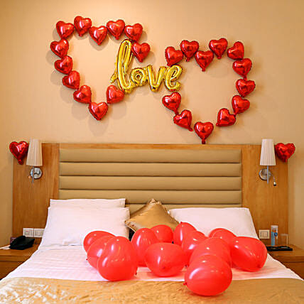 V Day Special Love Balloon Decor
