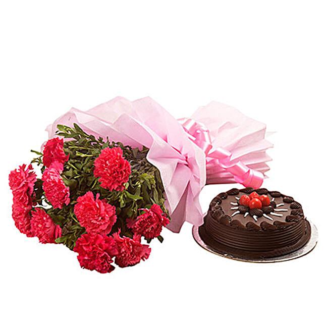 Valentine Chocolate Cake N Flowers