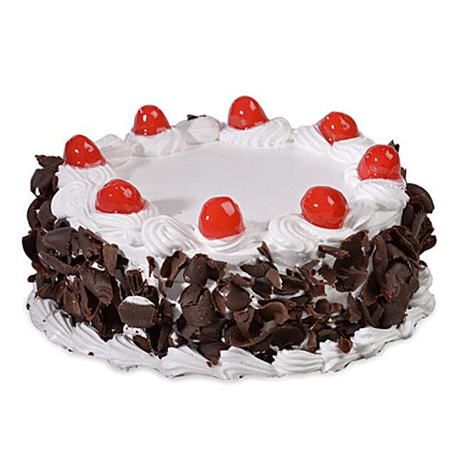 Yummy Black Forest Cake Half kg