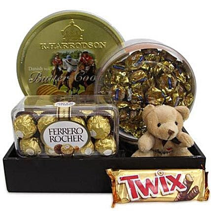 Twix Choco Hamper-A Nice hamper of assorted chocolates and cookies which includes,400gm butter cookies,butter Toffees,200gm Ferrero Rocher chocolate,58 gms Twix and 3 Inch long Soft toy:Send Thank You Soft toys