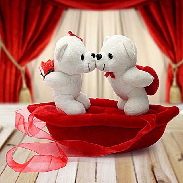 Romantic Teddies on Boat Valentine:Soft Toys