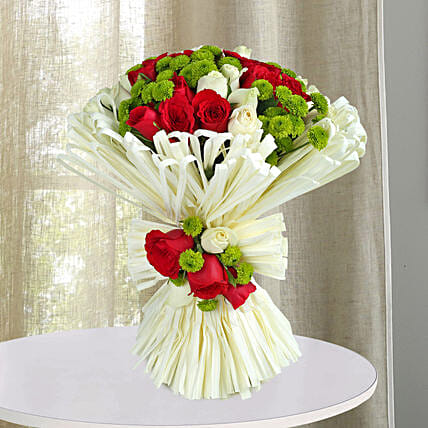Charming Red N White Roses Bunch