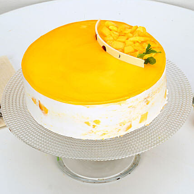 Mango Delight Cake Half kg Eggless