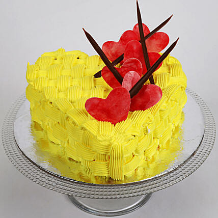Decorated Hearts Vanilla Cake Half Kg