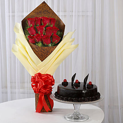 Red Roses Bouquet and Cake Online