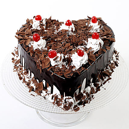 Flakey Hearts Black Forest Cake Half Kg