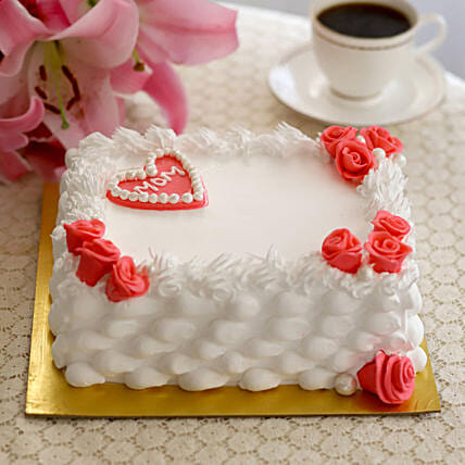 Roses & Heart Black Forest Cake- Half Kg