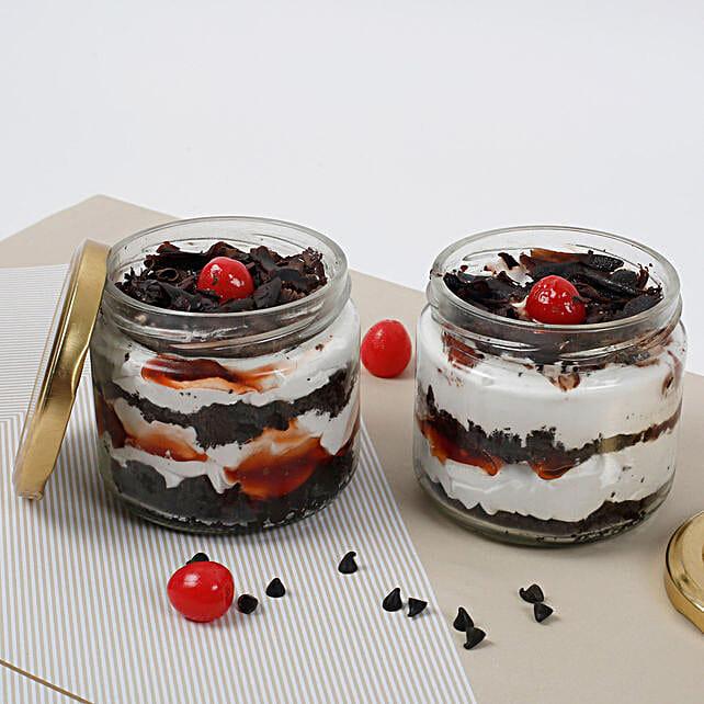 Sizzling Black Forest Jar Cake:Jar Cakes