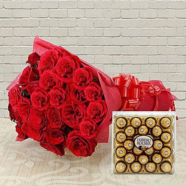 Yummy N Rosy - Bunch of 30 Red Roses & 300gm Ferrero Rocher chocolate box.