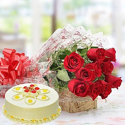 Flower Bouquet With Smooth Butterscotch Cake