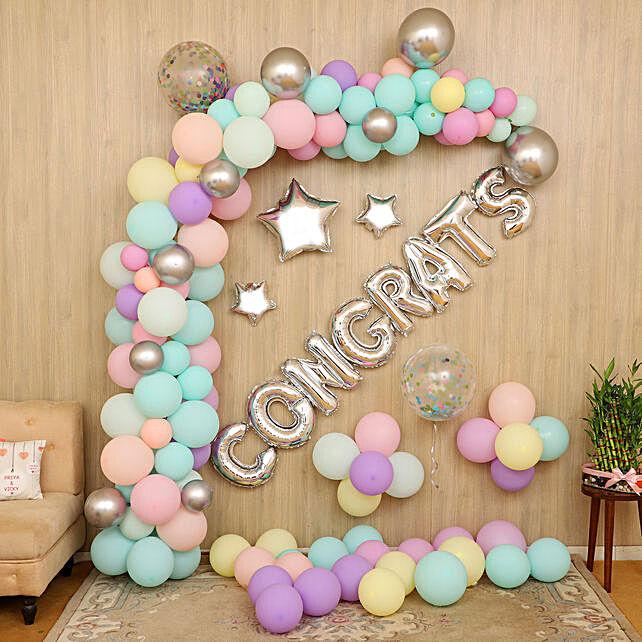 Congrats Party Balloon Decor