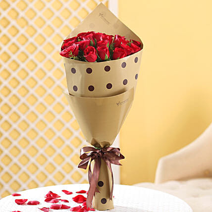 Enticing 18 Red Roses Bunch