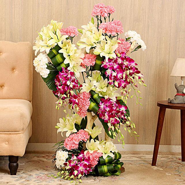 Alluring Grand Flower Arrangement