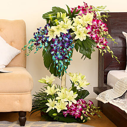 Online Bright Flowers Arrangement:Gifts for 50Th Anniversary