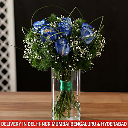 Blue Shade Roses In Glass Vase