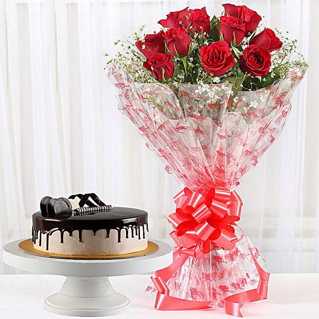 12 Velvety Red Roses Bouquet N Cake