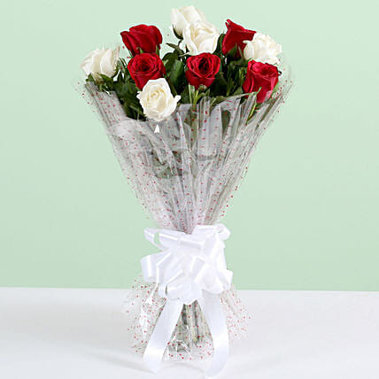 10 White And Red Roses Bouquet