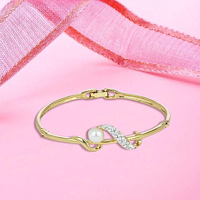 Classic Pearl And Diamond Bracelet