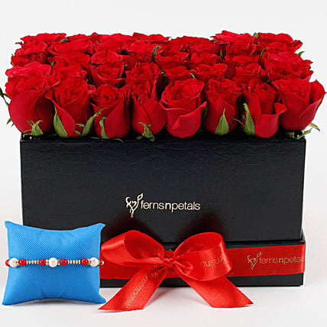 Designer Roses Arrangment and Rakhi Online
