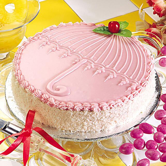 Creamy Strawberry With Coconut Cake