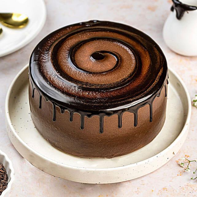 Extravagant Chocolate Cream Cake- Half Kg