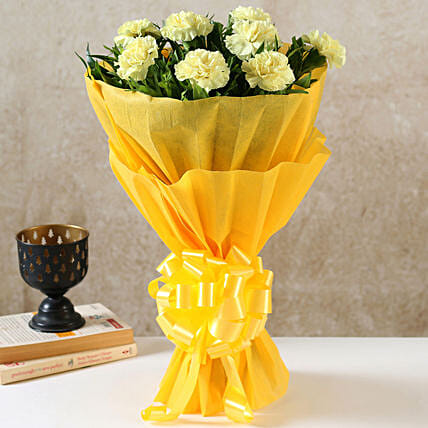 8 Yellow Carnations Bouquet Small