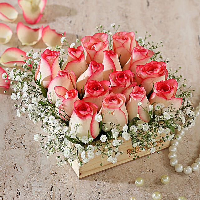 online roses arrangement in wooden base:Pink Flowers