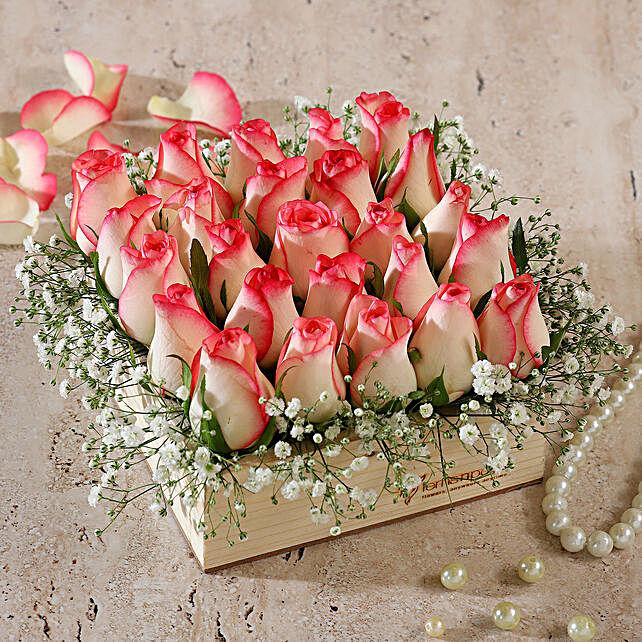 pink roses wooden arrangement:Pink Flowers