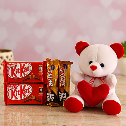 Chocolates Gift Combo & Valentines TableTop for Wify